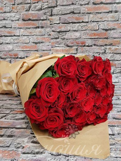51 червени рози