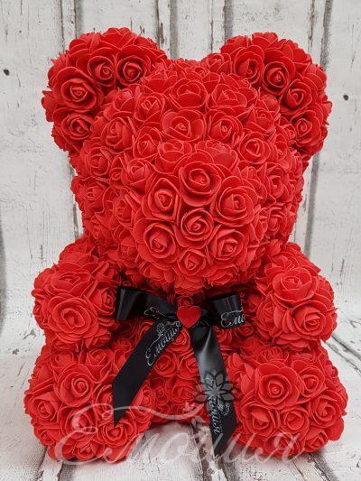 Голям  мечок от изкуствени рози в червено